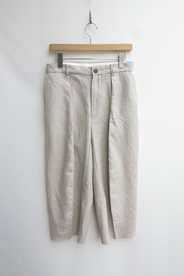 SLEEVE PATTERN CUTTED TROUSERS