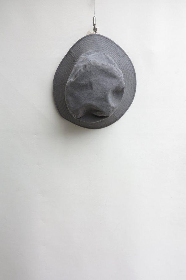 TWISTED CHAMBRAY GABARDINE BUCKET HAT