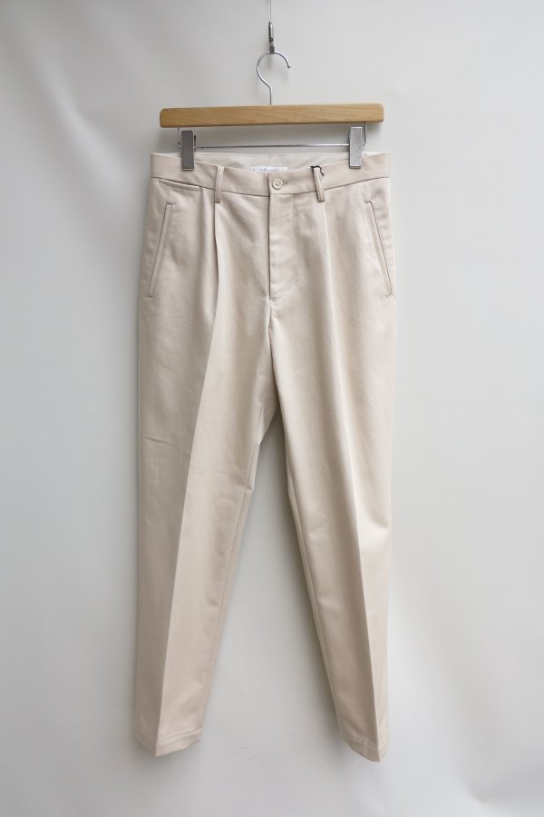 Out Tuck Slim Trousers