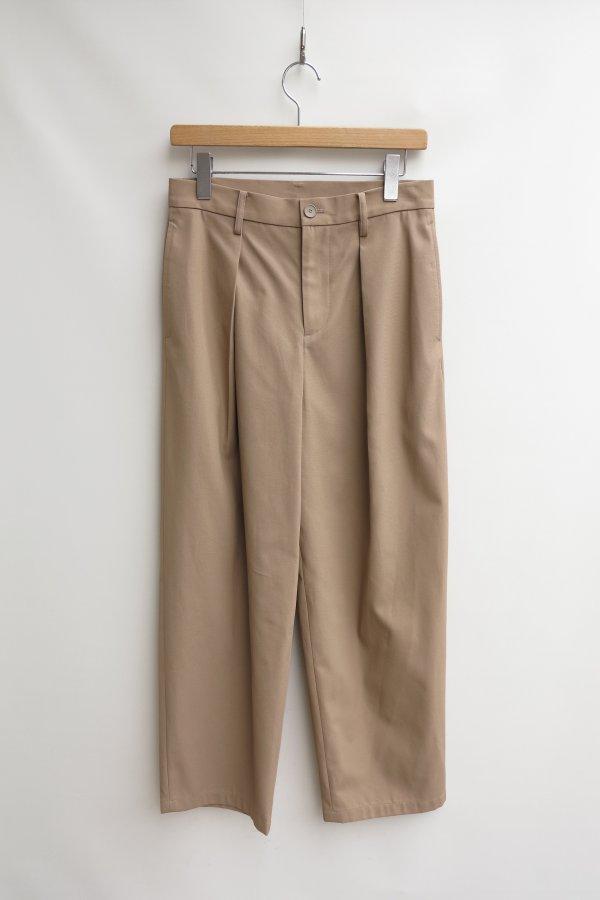 1 Intuck Pants
